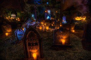 House at Haunted Hill tombstones 2013
