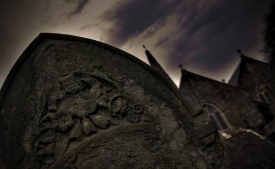 halloween_gravestone-crop