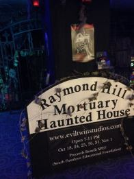 Raymond Hill's display at Scare LA 2014 (Copyright 2014 Yuki Tanaka)