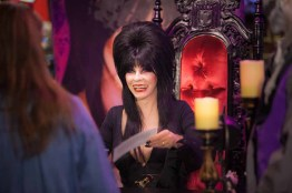 Knotts Scary Farm: Elriva Signing