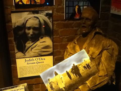 The Hollywood Museum: Scream Queen Judith O'Dea in Dungeon of Doom