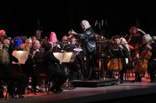 Arthur B. Rubinstein conducts the Symphony in the Glen at Eek! at the Greek!