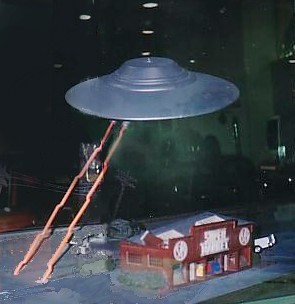 Fry's flying saucer miniature