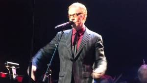 10-31-14-Danny-Elfman-sings-Nightmare-Before-Christmas-Nokia-Theater-Live