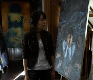 Yun-hee (An Jo) hopes to write a book based on the legend of a haunted portrait.