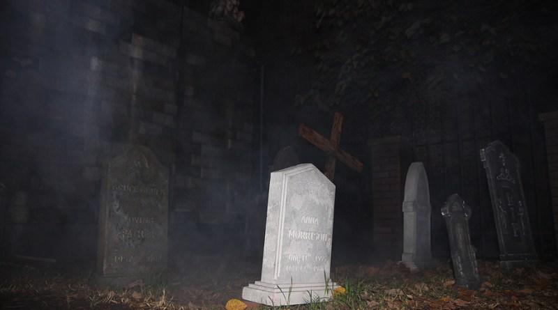 Evil Twin Studios Halloween 2014 Raymond Hill Mortuary