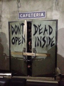 hhn-2016-walking-dead-door