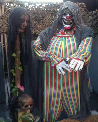 More clowns!