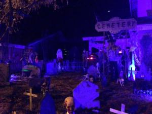 coffinwood-cemetery-2016-yard-wide-angle