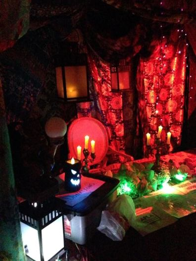gothic-hills-2016-decorated-table