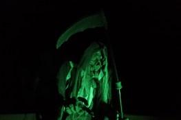 casa-creepy-grim-reaper