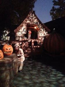 Knotts Scary Farm 2017 Review Pumpkin Eater exterior
