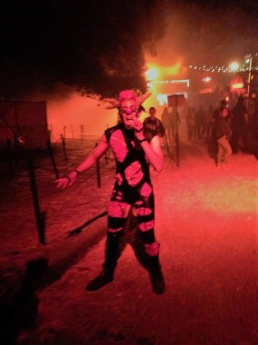 Los Angeles Haunted Hayride 2017 razor blade eater
