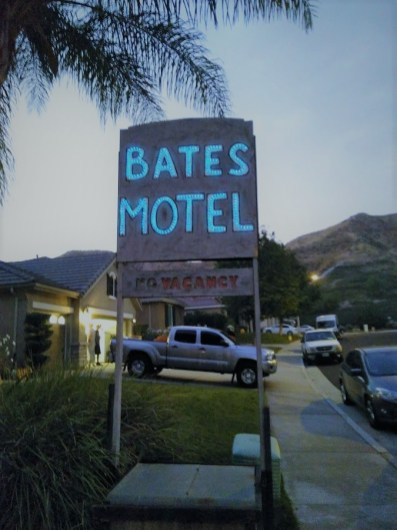 Pumkin Jack 2017 Bates Motel sign