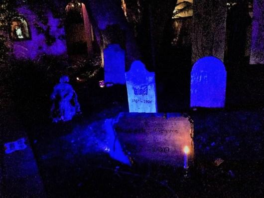 Rosehill Haunt 2017 grave stones