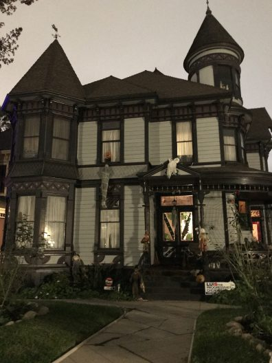 Angelino Heights Halloween home haunt 1