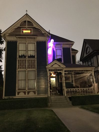 Angelino Heights Halloween home haunt 2