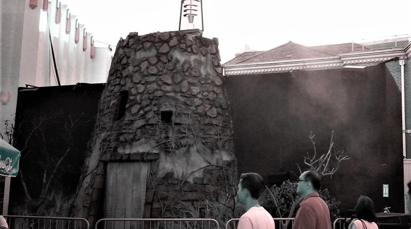 Halloween Horror Nights 2018 Castle Frankenstein