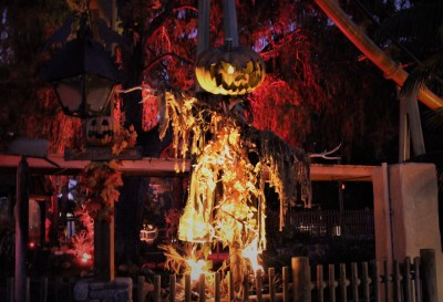 Knotts Scary Farm 2018 Review Jack O' Lantern scarecrow