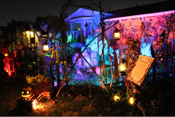 Grimwood Hollow Burbank Yard Haunts 2018