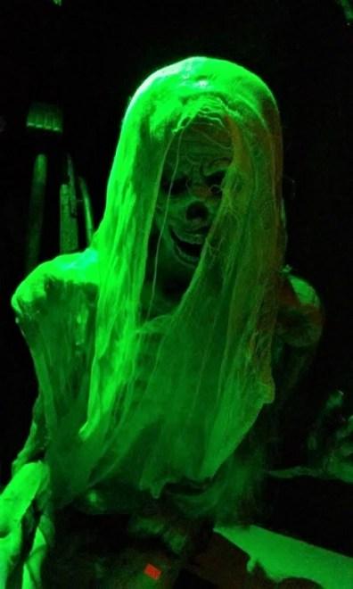 Ghoulish green skeleton