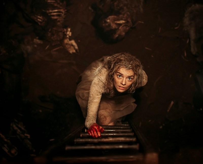 Grace (Samara Weaving) in pit