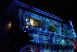 House at Haunted Hill Halloween show