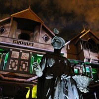 "Review: An ""Unhinged"" Halloween at Winchester Mystery House"