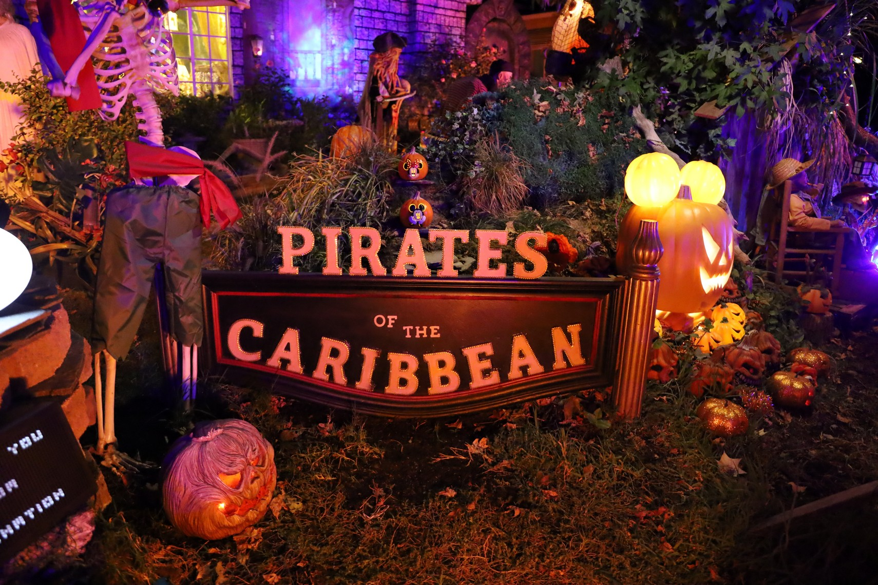 Holiday Fantasies Pirates of the Caribbean 2019