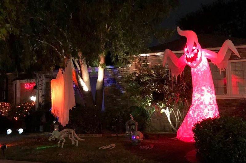 Toluca Lake yard Haunts Halloween 2020