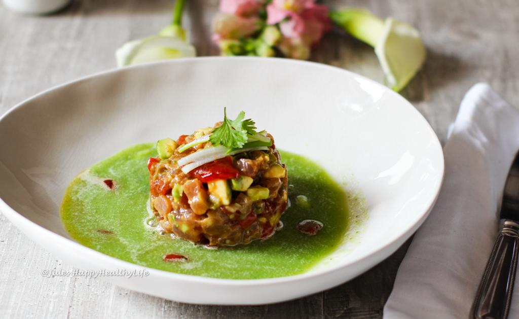 Rezept für Thunfischtatar mit gegrillter Wassermelone und einem Gurken Ingwersud