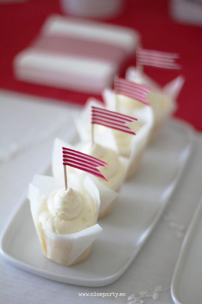 Nice Party cumpleaños Mary Poppins mesa de dulces cupcakes