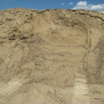 Tan Screened Soil Mix with Compost and Manure compost02