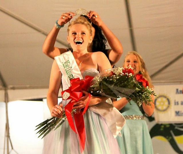 2016 Miss Calaveras & Saddle Queen Contestants Announced