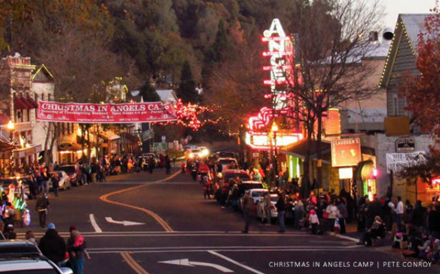 Angels Camp Lighted Christmas Parade, Open House & Wine Stroll This Saturday!