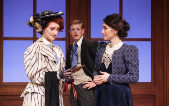 REVIEW: Lady Windermere's Fan