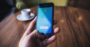 How to Set Who Can Reply to Your Tweet on Twitter