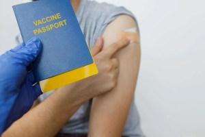 vacina covid 19 para quem viajar para o Canada