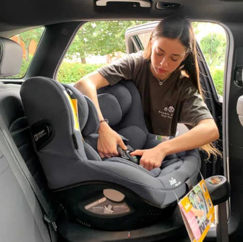 newbie and me car seat fitting service leeds telford crewe
