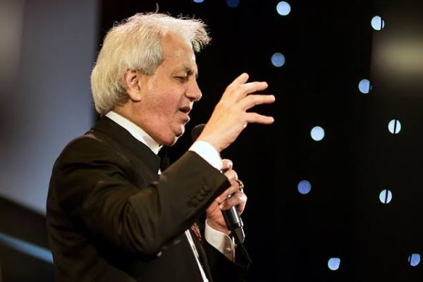 HOW THE HOLY SPIRIT ENTERED INTO MY ROOM – Benny Hinn