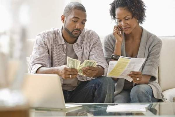 HOW TO PREVENT FINANCES FROM RUINING YOUR RELATIONSHIP/ MARRIAGE