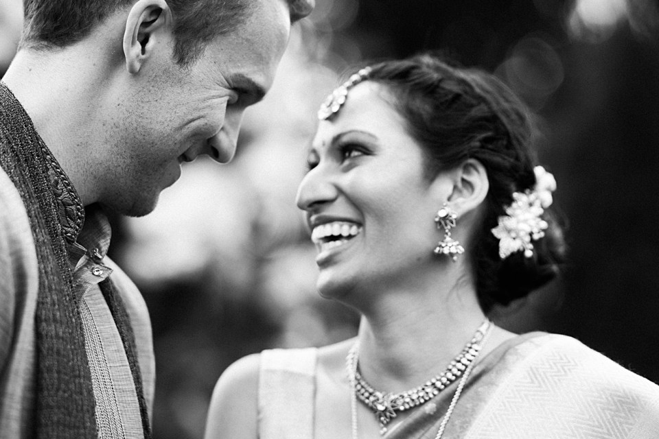 classic black and white first look couples portraits gardens at elm bank wedding