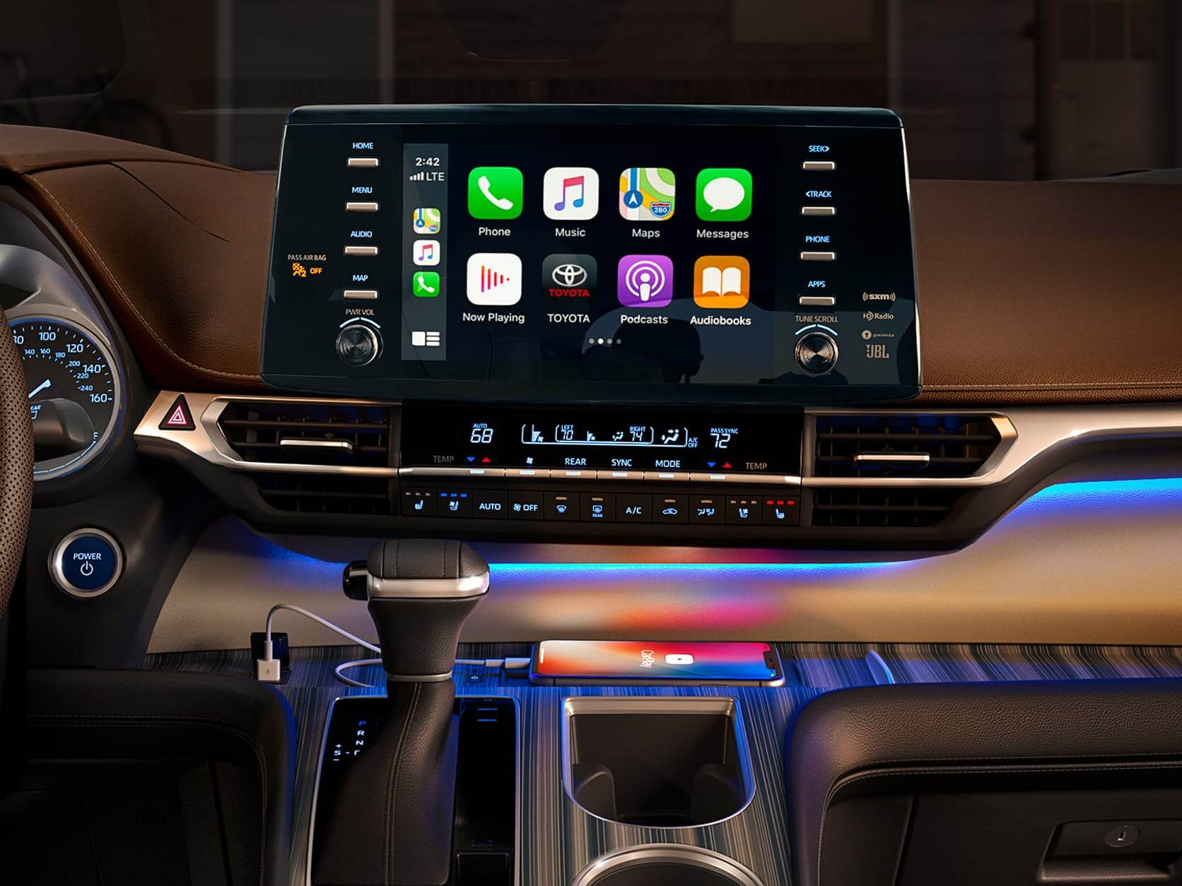 New Toyota Sienna touch display with apple carplay