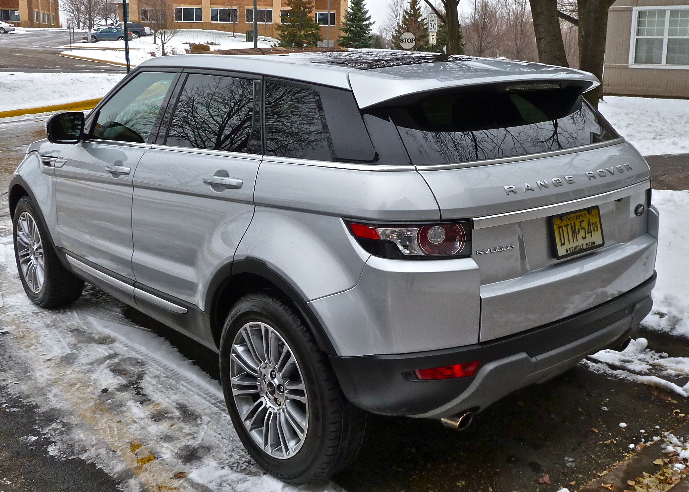 Evoque drives Range Rover into future New Car Picks