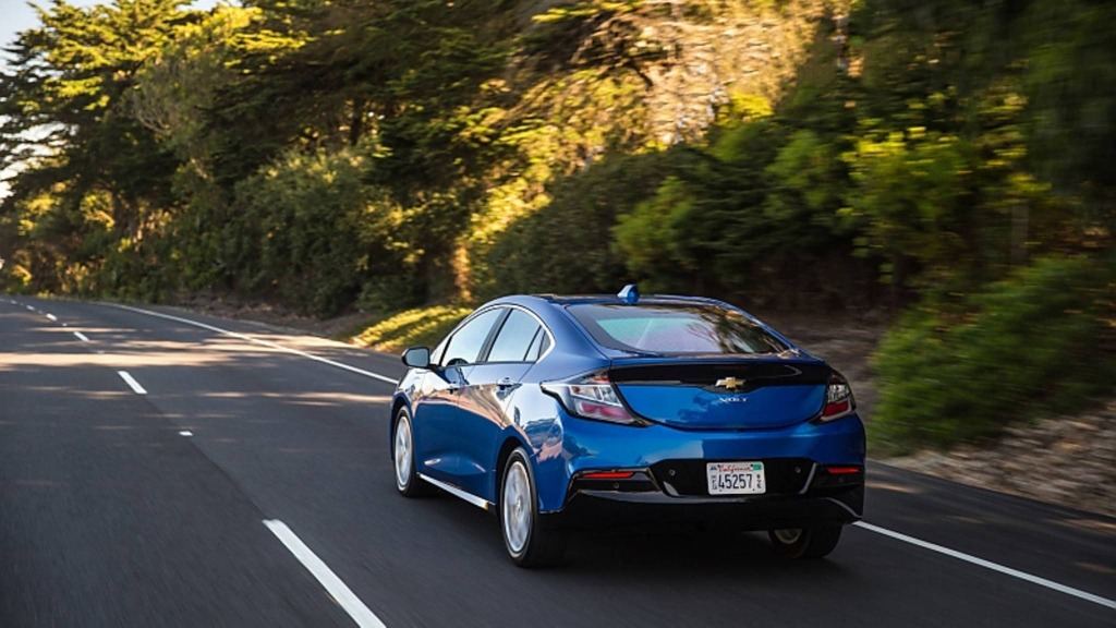 2023 Chevy Volt Wallpapers