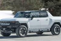 2023 GMC Hummer EV SUV Pictures
