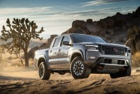 2023 Nissan Frontier Images