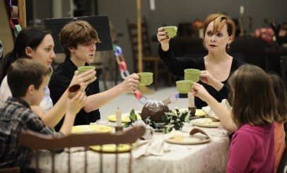 "THe Cratchits rehearse for The Goodman's ""A Christmas Carol""/Photo: Liz Lauren"