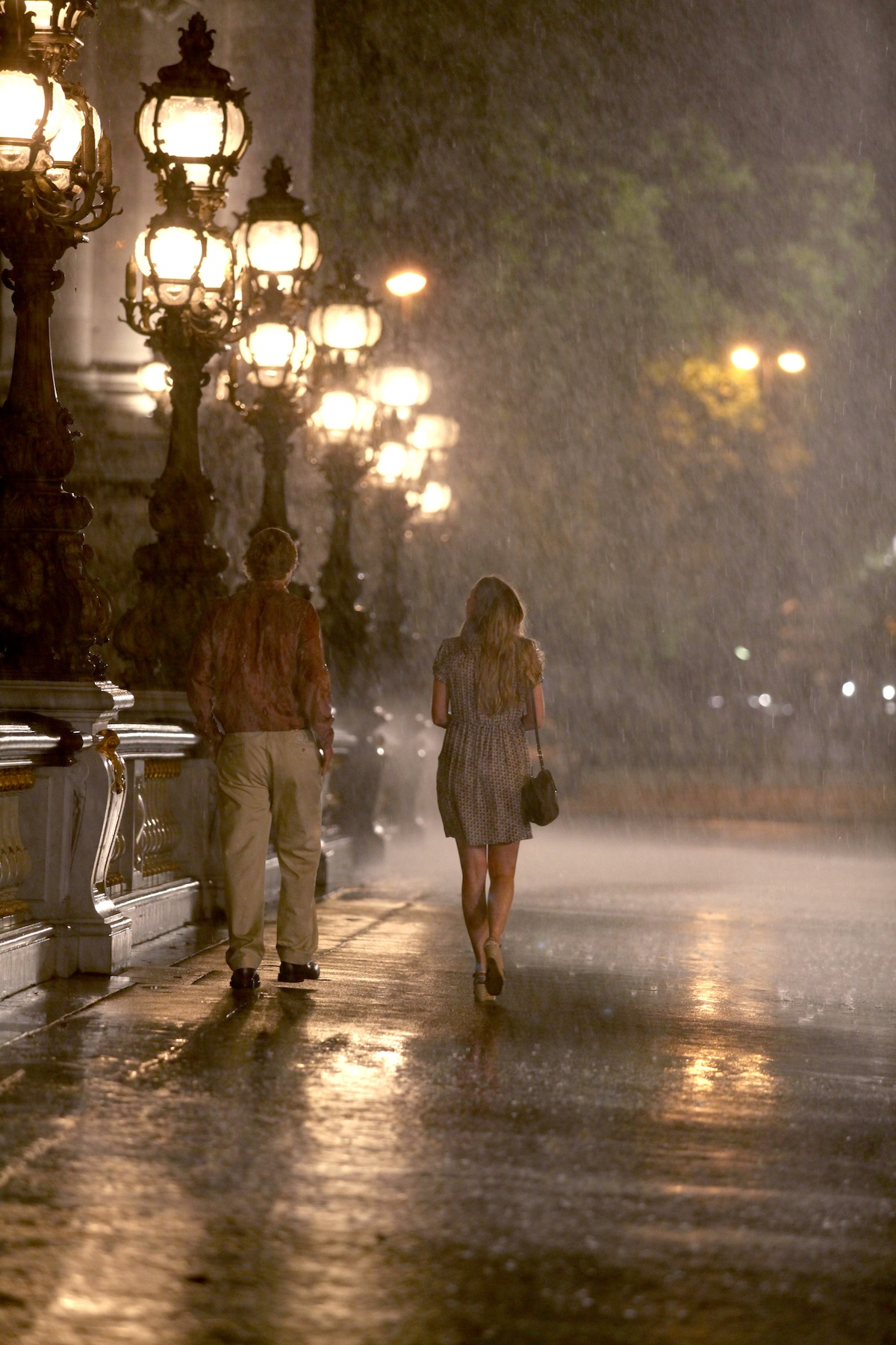 review midnight in paris