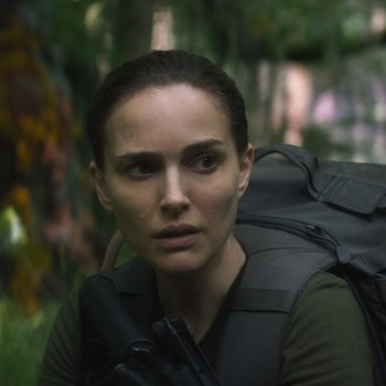 """Shimmer Zone: A Review of """"Annihilation"""""""